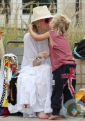 Gwen Stefani & Zuma Rossdale at the beach Santa Monica