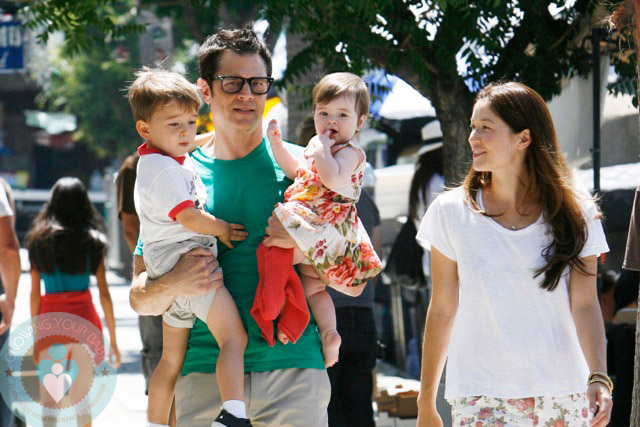Johnny Knoxville With His Wife Naomi And Kids Arlo And