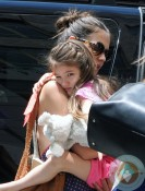 Katie Holmes, Suri Cruise Playdate Alice's Tea Cup NYC