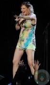 Sugarlands Jennifer Nettles pregnant concert
