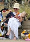 gwen stefani wth son Zuma Santa Monica beach