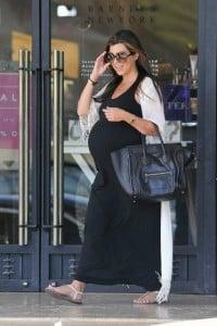 pregnant kourtney kardashian, shopping Barneys