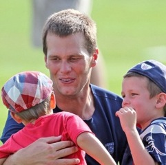 Pregnant Gisele Bundchen Visits The Patriots Training Camp With Ben & John!