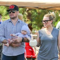 Hilary Duff & Her Boys Shop At The Market!