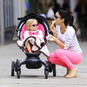 Bethenny & Bryn Enjoy Ice Cream and A Stroll