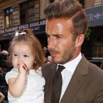 David Beckham Lunches With His SoHo Sweeties!