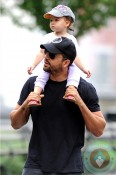 David Blaine out in NYC with his daughter copy