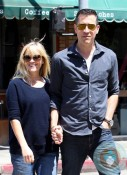 Pregnant Reese Witherspoon out with husband Jim Toth