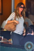 pregnant Gisele Bundchen has lunch at Bar Pitti