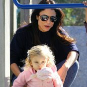 Bethenny Frankel & Bryn Have a NYC Park Playdate!