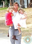 Jerry O'Connell with daughters Charlie and Dolly at the Veuve Clicquot Polo Classic