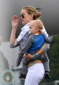 Kate Hudson & Her Sons Board A Private Jet In Paris