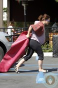 Pregnant Drew Barrymore heading to yoga