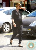 Pregnant Drew Barrymore shopping LA