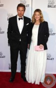 Pregnant Drew Barrymore with Will Kopelman red carpet