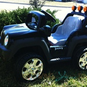 Featured Review ~ Joovy's Motorized 4×4!
