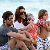 Kourtney Kardashian And Scott Disick Have a Beach Day With Mason and Penelope