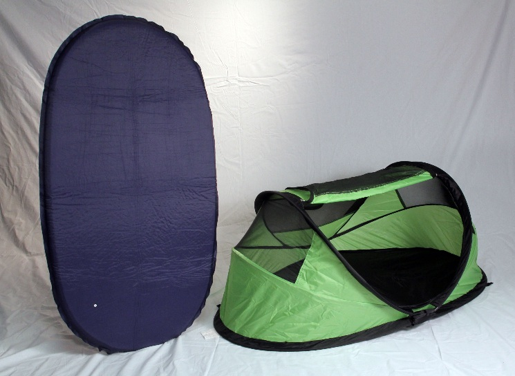 Image of recalled PeaPod Travel Bed (green) with Inflatable Air Mattress & Image of recalled PeaPod Travel Bed (green) with Inflatable Air ...