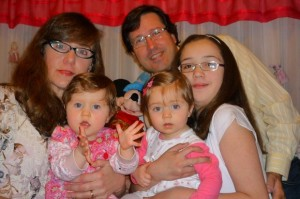 Monica Zapotoczny, Guillermo Husak and their children
