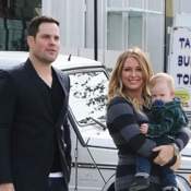 Hilary Duff and Mike Comrie Take Luca To See Santa!