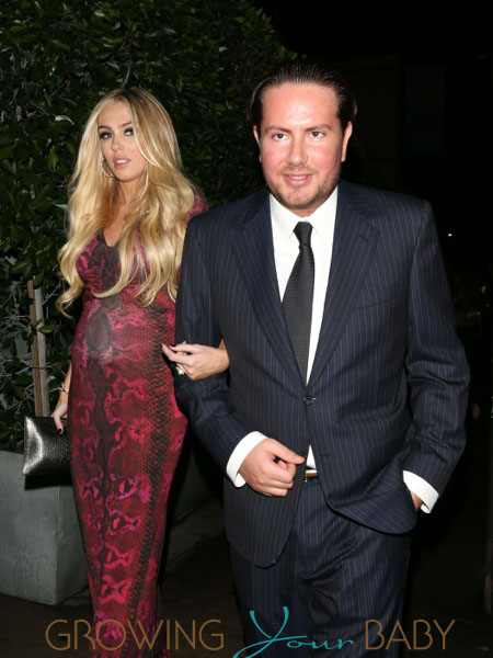 James Stunt and pregnant Petra Ecclestone out for dinner in La Emilia Russian depositfiles