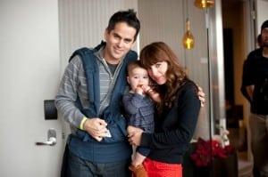Lindsay Sloane, husband Dar Rollins and baby girl Maxwell - photographer  Meagan Reidinger