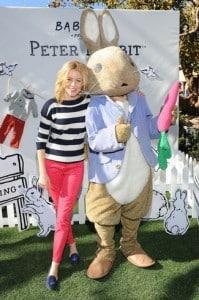 Elizabeth Banks @ baby GAP bunny hop event