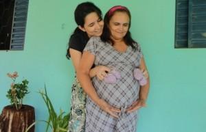 Maria da Gloria with daughter Fernanda