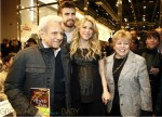 Pregnant Shakira & Gerard Pique, William Mebarak at book reading in Spain 11.38.14 PM
