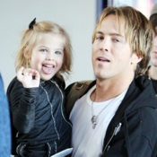 Larry Birkhead And Dannielynn: Security Check at LAX!