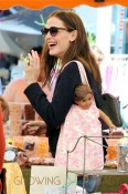 Jennifer Garner dotes over her daughters Violet and Seraphina as they spend some quality time together at a Los Angeles Farmer's Market
