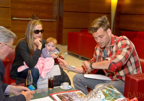 Mira Sorvino Vacations In Vienna With Her Family