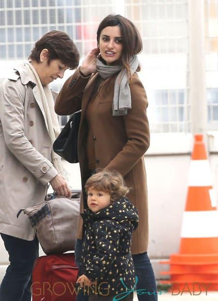 Penelope, Javier & Leo Land In Paris