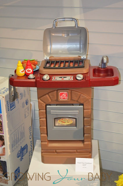 Step2 Outdoor Grill 2013 Toy Fair