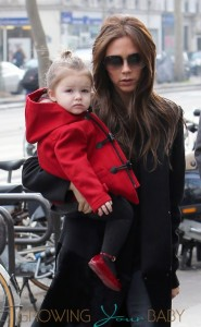 Victoria Beckham and his daughter Harper shopping in Paris