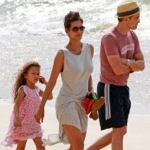 Halle Berry & Olivier Martinez Stroll On The Beach With Nahla