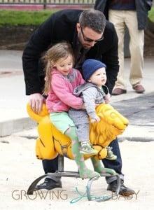 Ben-Affleck-with-kids-Samuel-and-Violet