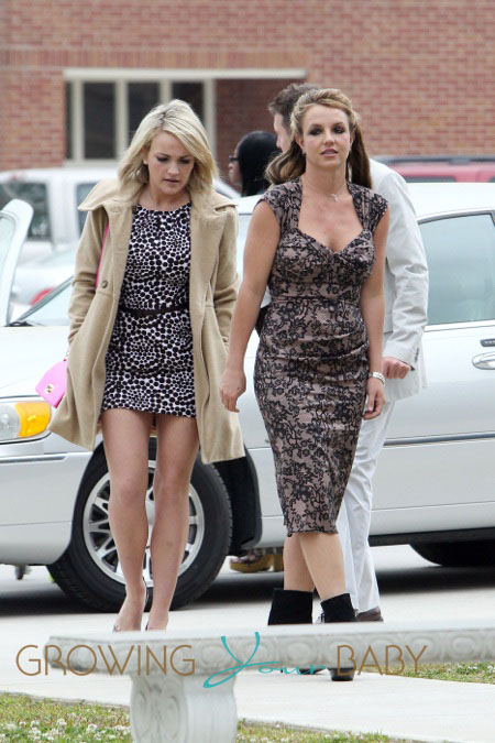 Britney Spears Goes To Church With Sister Jamie Lynn And