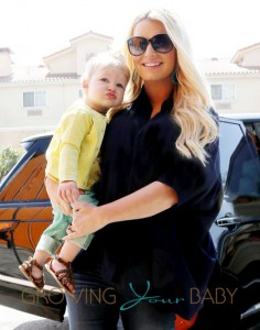 Pregnant actress and singer Jessica Simpson and sister Ashlee Simspon take their children Maxwell Johnson and Bronx to Don Cuco Mexican Restaurant in Studio City