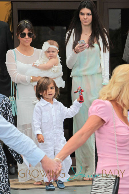Kourtney Kardashian goes to Easter services without Scott