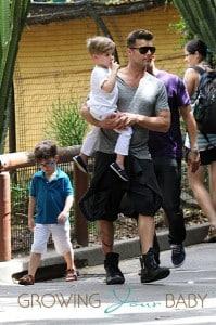Ricky Martin, with sons Matteo & Valentino at the Taronga Zoo