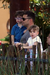 Ricky Martin, with sons Matteo and Valentino at the Taronga Zoo