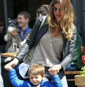 Gisele & Tom Lunch With Their Kids in NYC