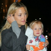 Kate Hudson Arrives In NYC With Her Boys