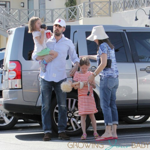 Jennifer Garner and Ben Affleck take daughters Violet and Seraphina to shopping at the Brentwood Country Mart