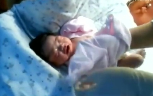 Newborn born after China earthquake