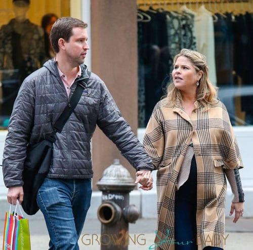 Pregnant Jenna Bush And Husband Shop At Baby Store