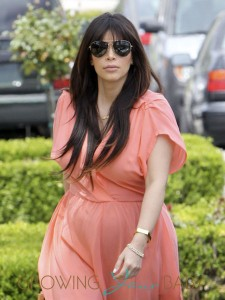 Pregnant Kim Kardashian & Kris Jenner Out For Lunch After Church