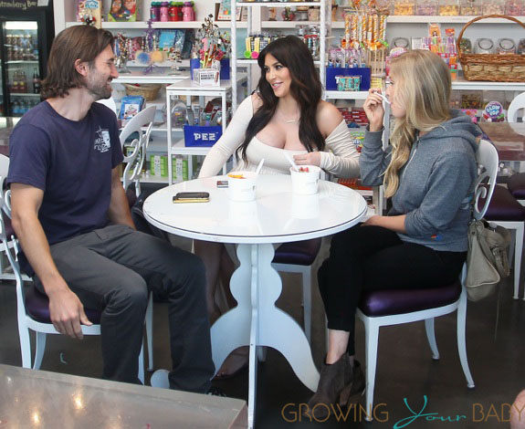 Pregnant Kim Kardashian Grabs A Sweet Snack With Friends