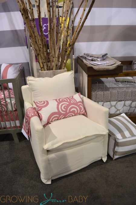 2014 Oilo Nursery Collection - Nola Glider